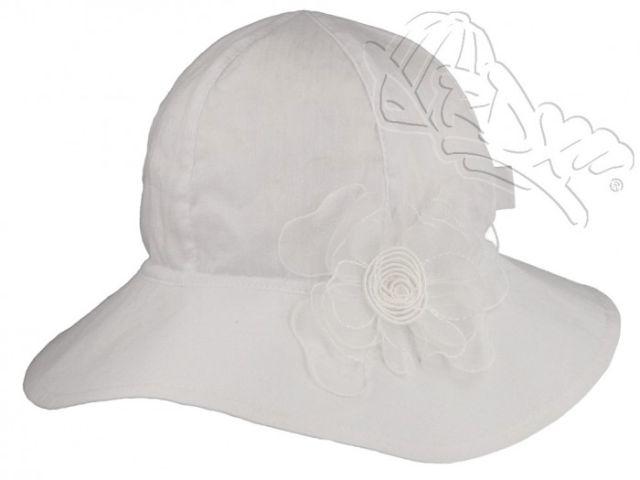 Dívčí klobouk s květem 94eab0c2ab